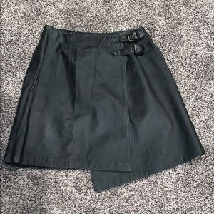 BOUTIQUE EUROPA WOMANS faux leather skirt SZ.10